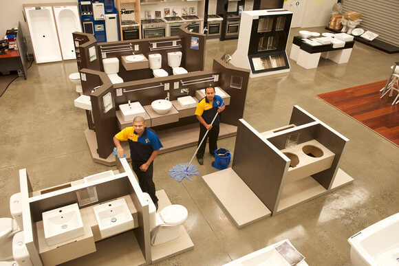 COMMERCIAL & RETAIL CLEANING